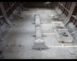 Adrian-Paci-The-Column-(2013)-video-still--Courtesy-kaufmann--repetto-Gallery-Milano-Italy